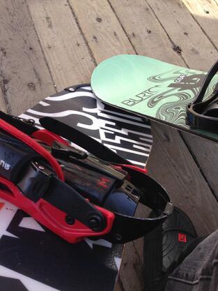 Vague_Snowboard_Picture